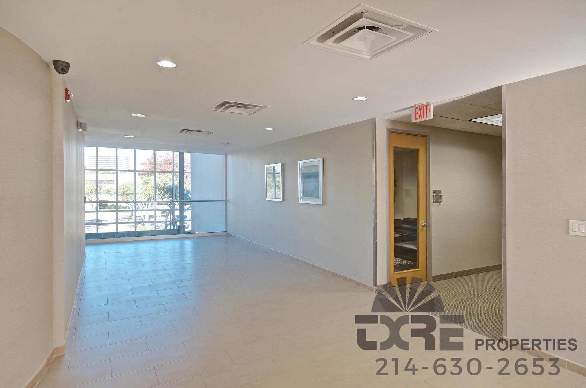 300 Decker Dr. interior hallway