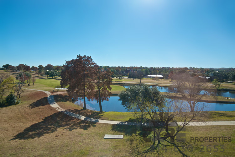 300 Decker Dr. walking trail and ponds